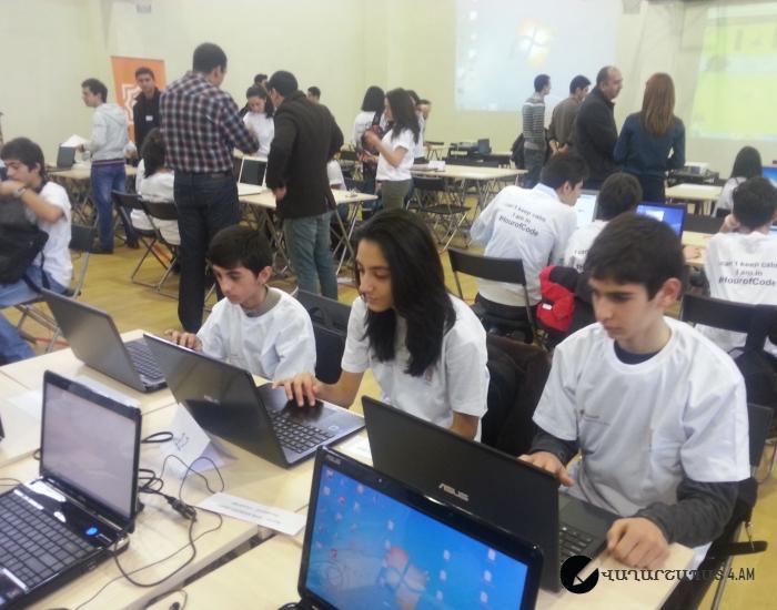 Մեր ռոբոտիկ  աշակերտների մասնակցությունը ԱՅԲ-ի և ԻՏՁՄ-ի կազմակերպած  code.org  կայքով ծրագրավորման միջոցառմանը